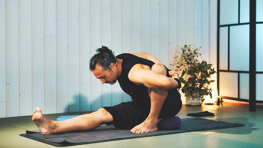 Ashtanga Yoga, modificaciones y apoyos